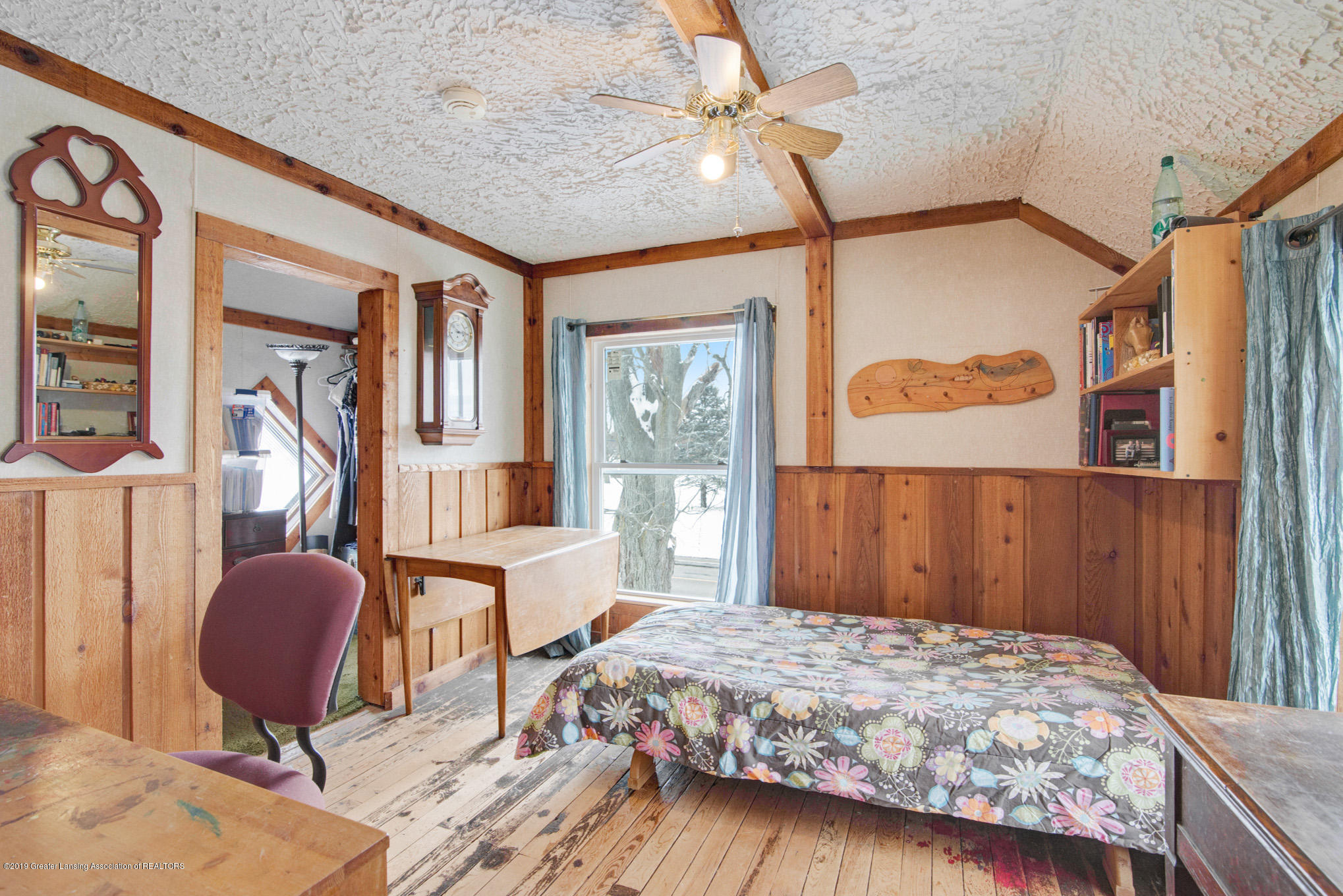 1891 Island Hwy - Bedroom - 13