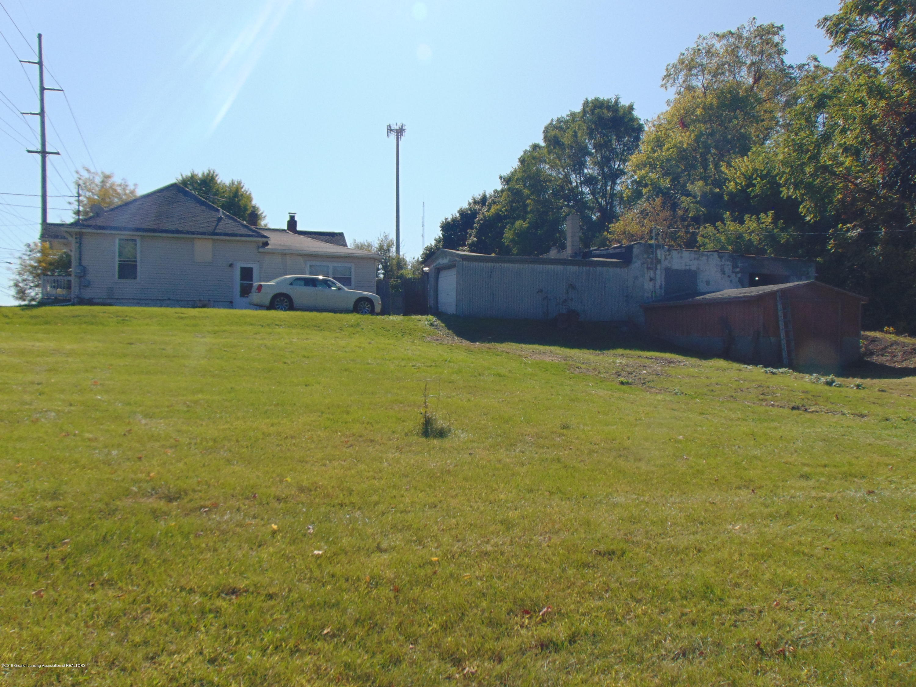 1829 Sunset Ave - sunset pic 5 - 5