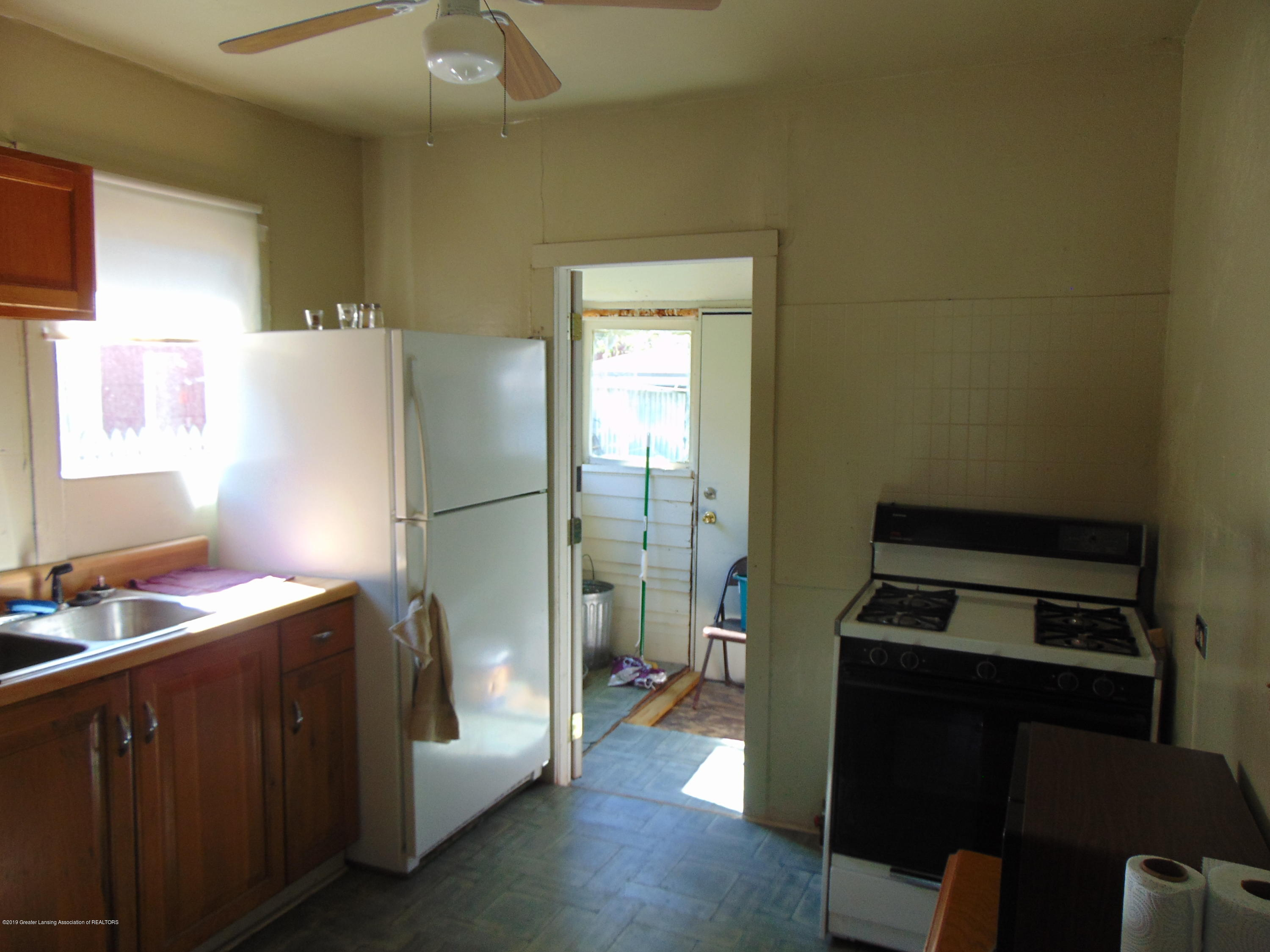 1829 Sunset Ave - sunset pic 12 - 16