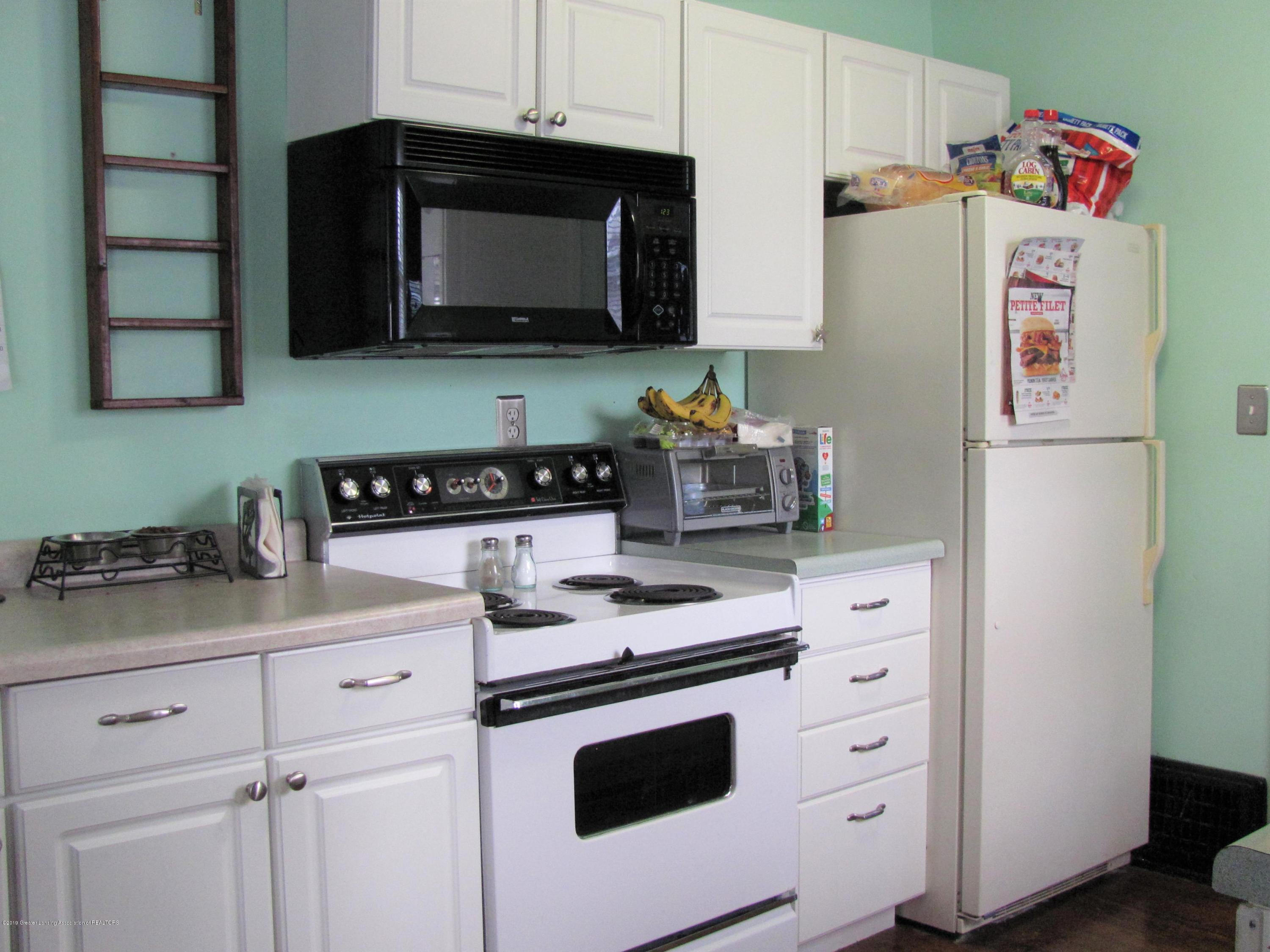 629 N Fairview Ave - Kitchen - 18