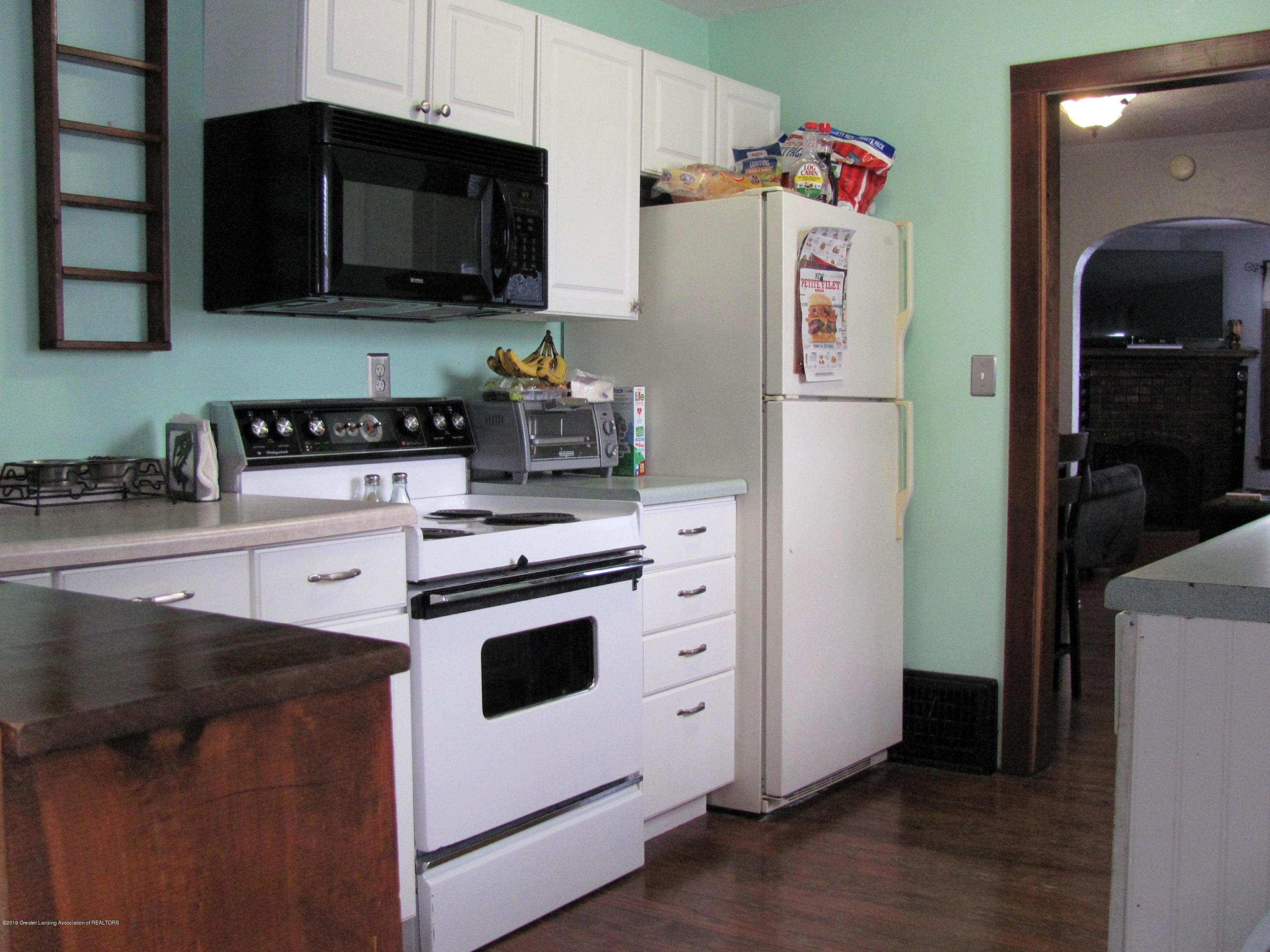 629 N Fairview Ave - Kitchen - 19