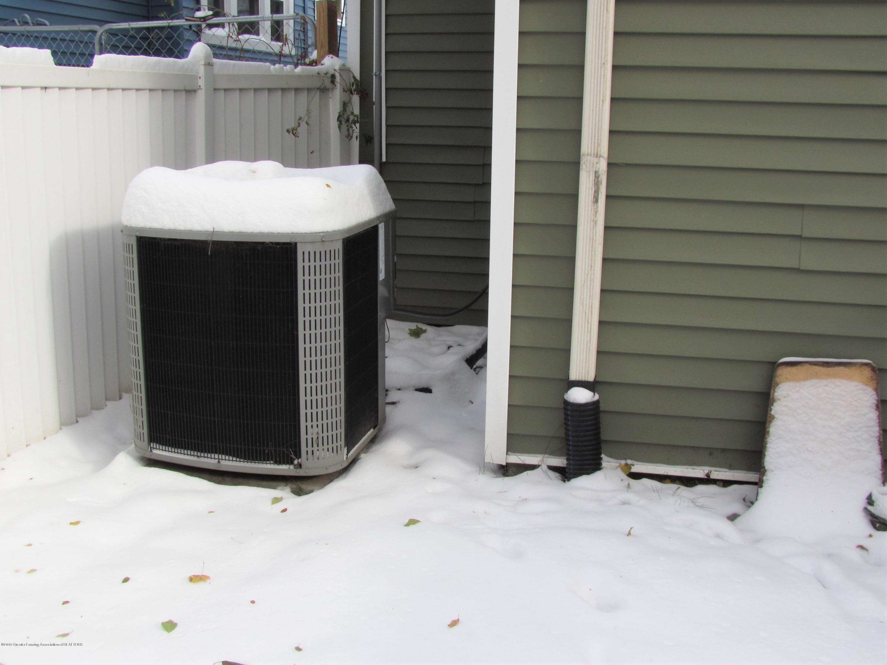 629 N Fairview Ave - New A/C unit - 10