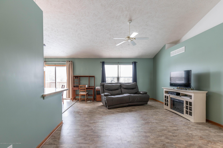 13586 Hunters Crossing - Living Room - 5
