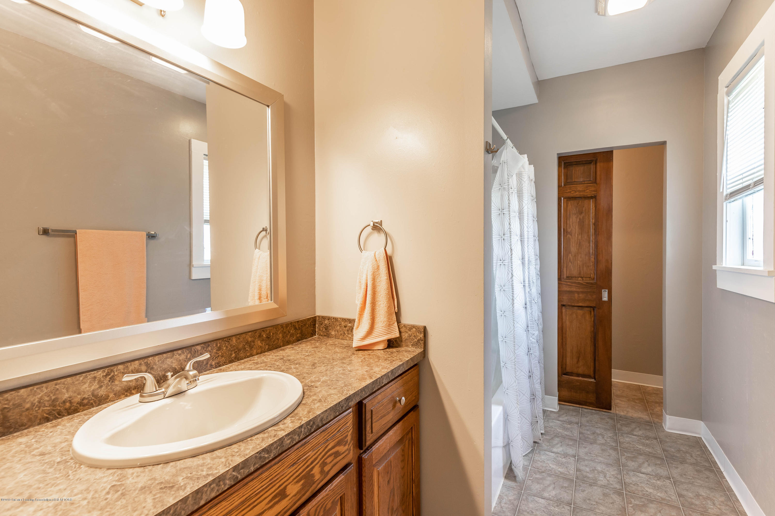 15549 Airport Rd - airportbath (1 of 1) - 13