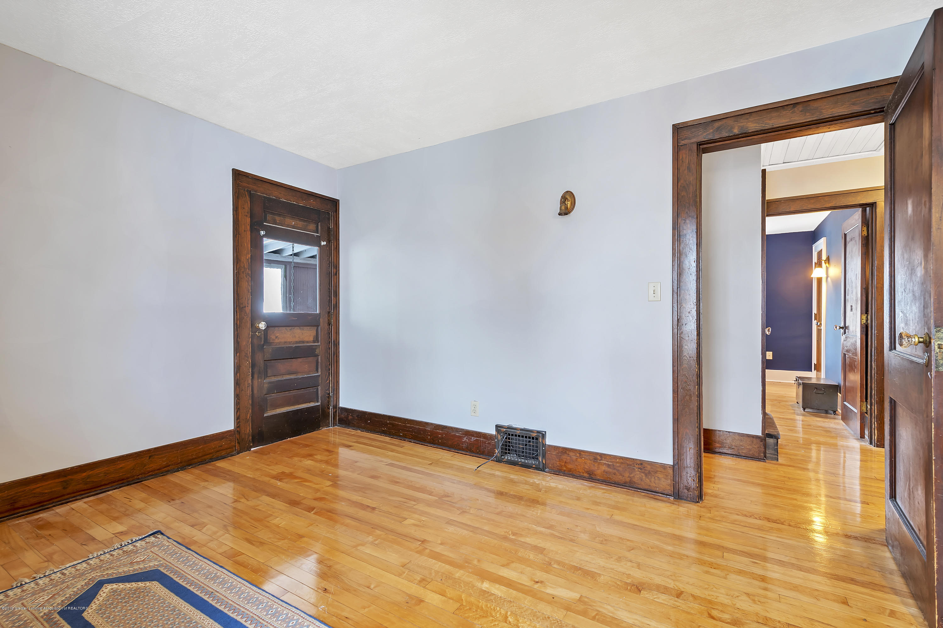 412 E Jefferson St - 412-E-Jefferson-WindowStill-Real-Estate- - 33