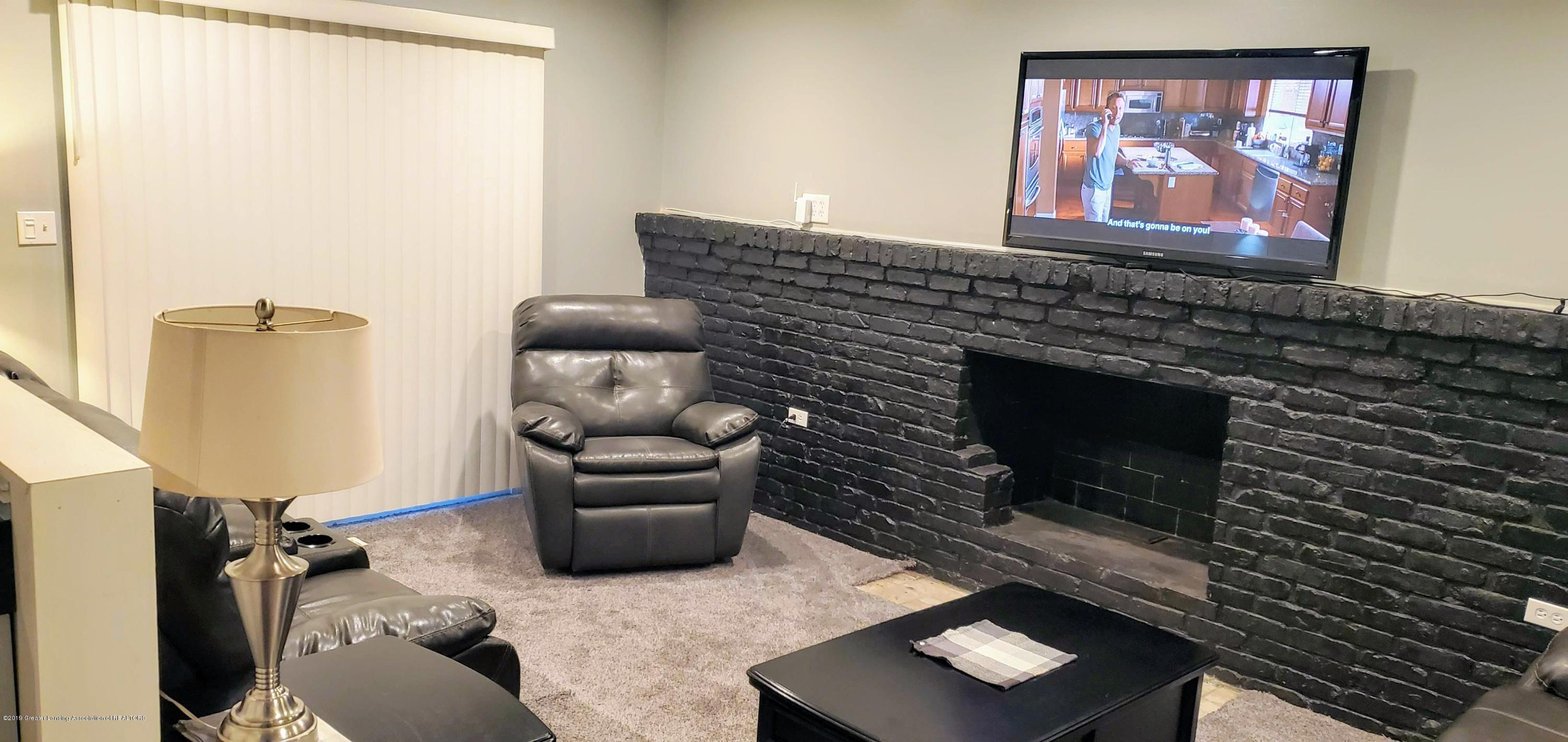 3924 Wedgewood Dr - Family Room - 5