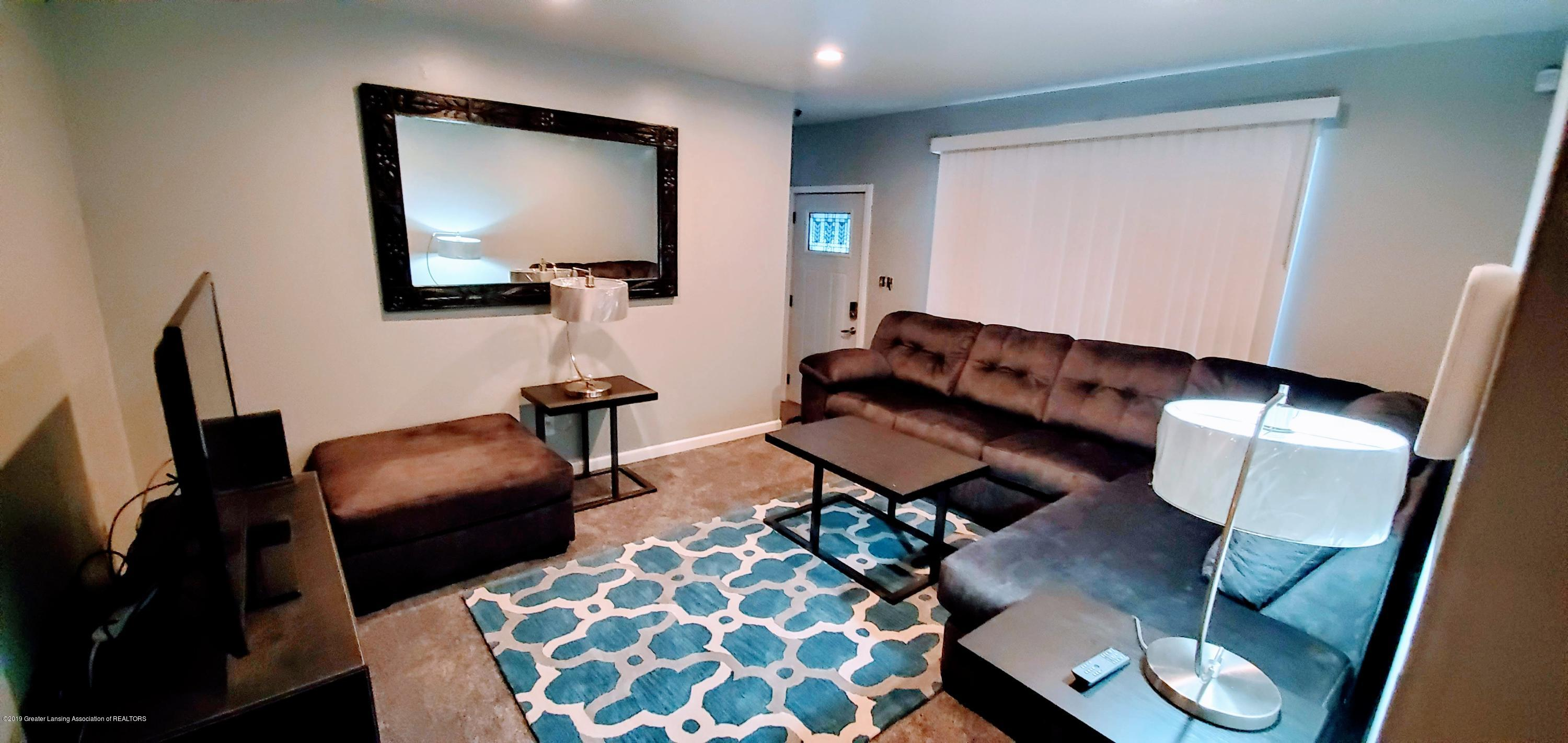 3924 Wedgewood Dr - Living Room - 3