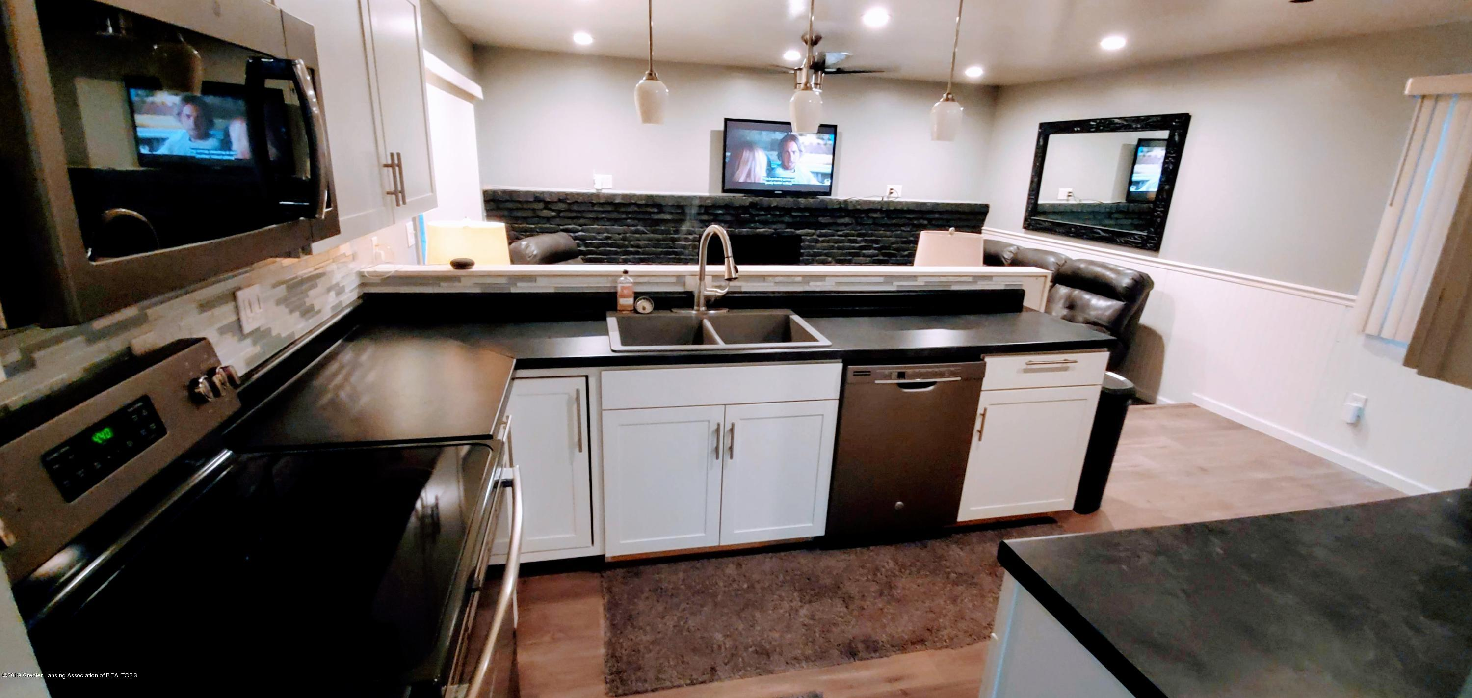 3924 Wedgewood Dr - Kitchen/DR & Family Rm - 4