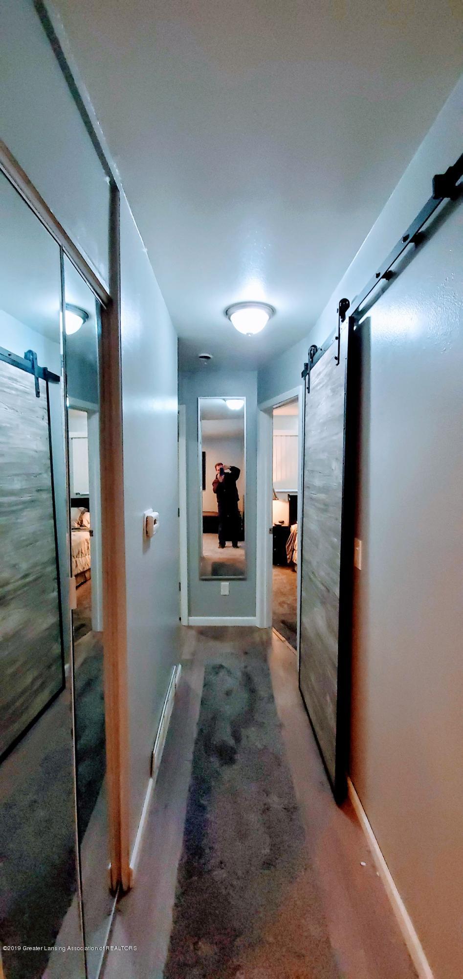 3924 Wedgewood Dr - Hallway to Bed Rooms - 6