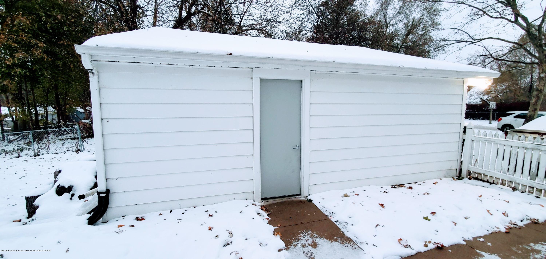 3924 Wedgewood Dr - Garage Court Yard Area - 21