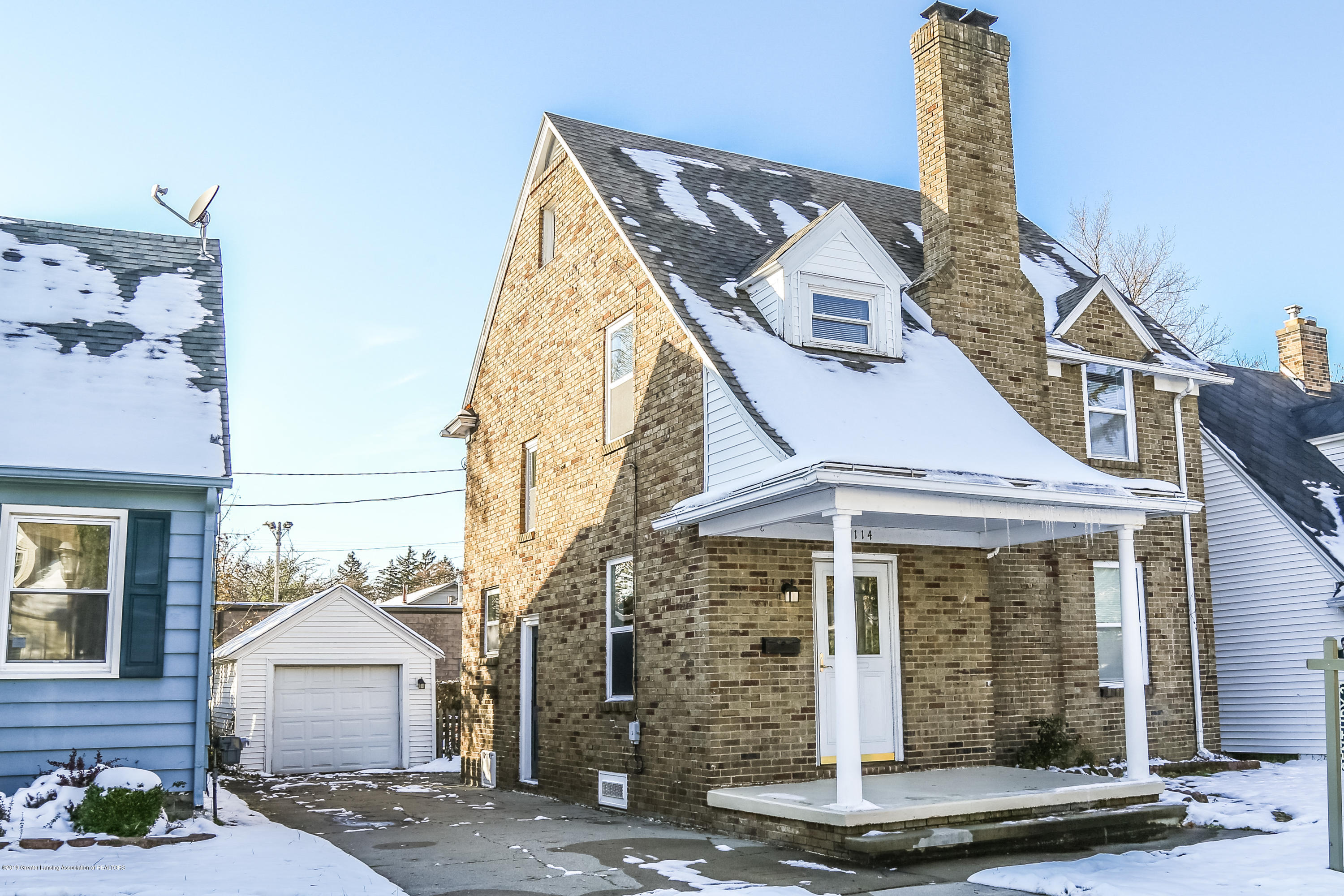 2114 Colvin Ct - Front - 1