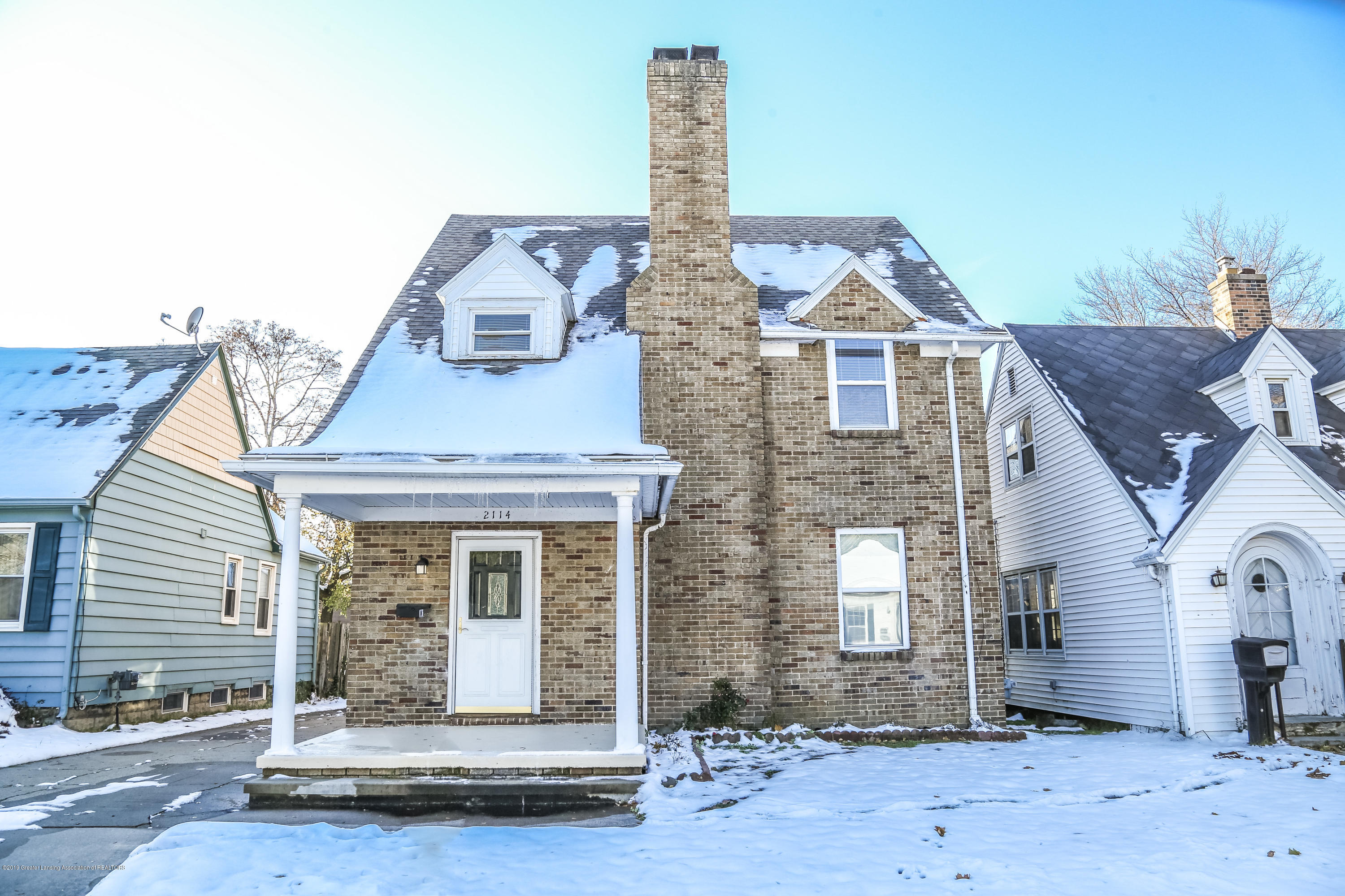 2114 Colvin Ct - Front - 2