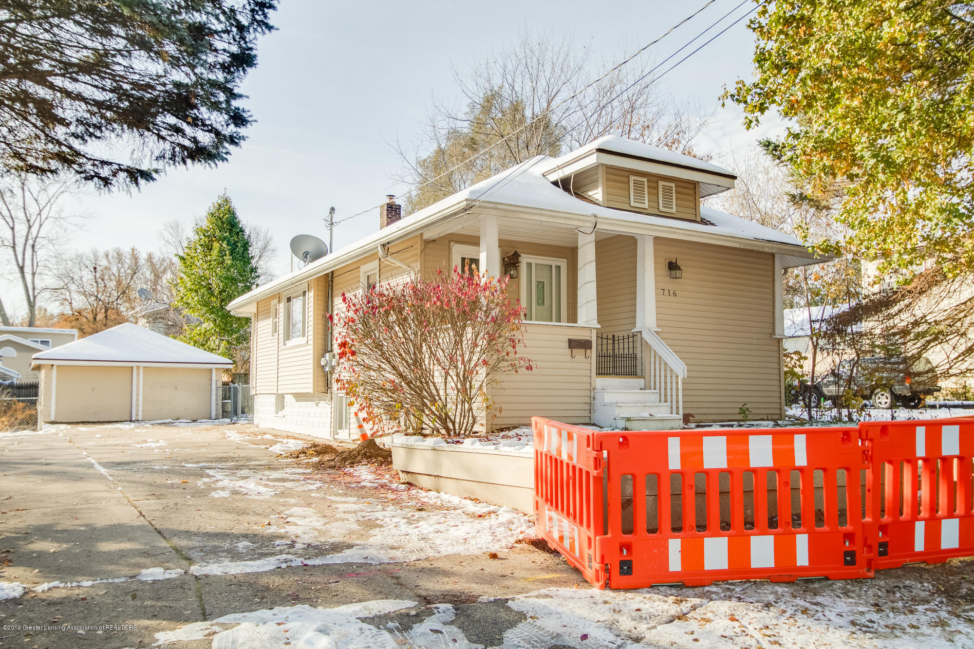 716 Vernon Ave - Front - 1