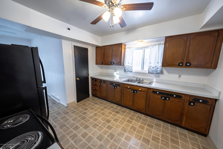 5651 S Waverly Rd - kitchen - 7