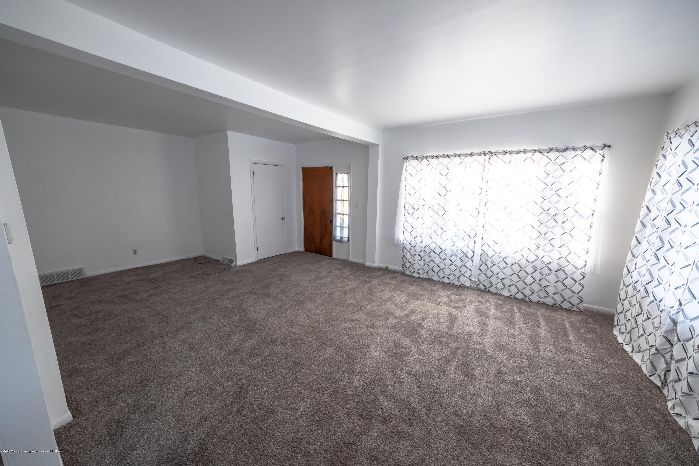 5651 S Waverly Rd - living room - 4