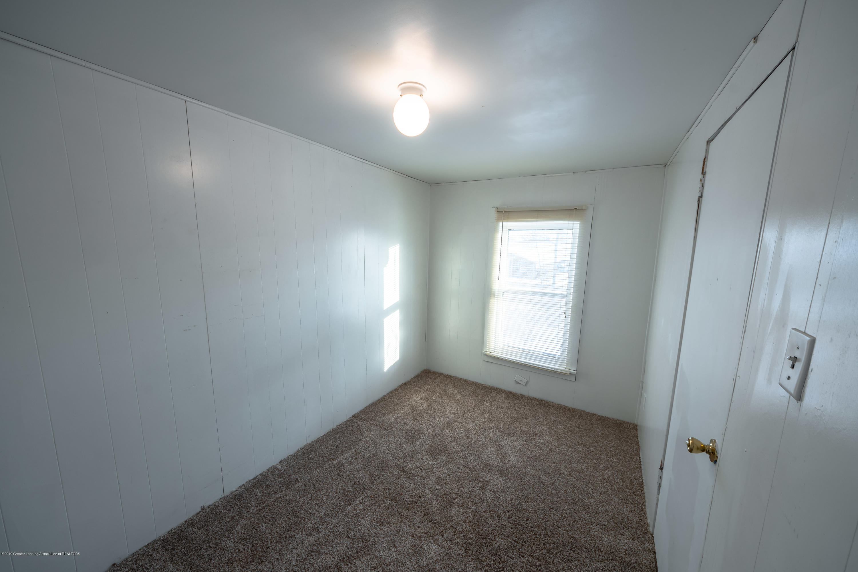 5651 S Waverly Rd - bedroom 1 - 11