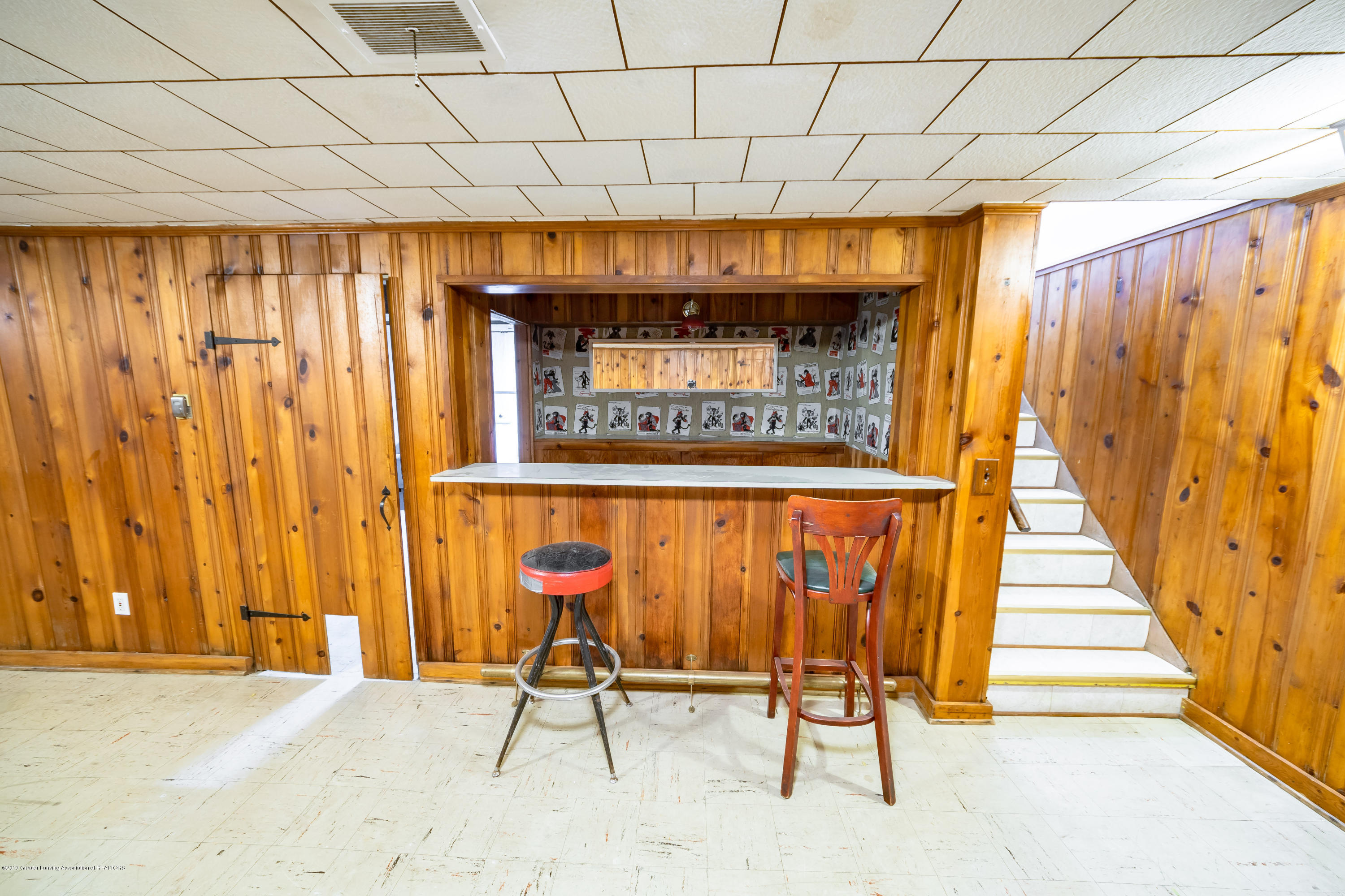 1403 Weber Dr - basement bar - 17