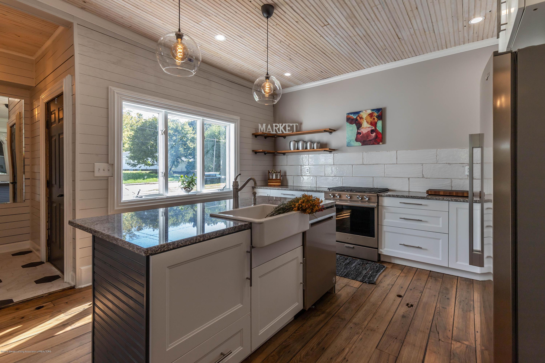405 W Jefferson St - Kitchen - 12