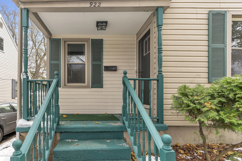 922 N Jenison Ave - 922-N-Jenison-Ave-WindowStill-Real-Estat - 4