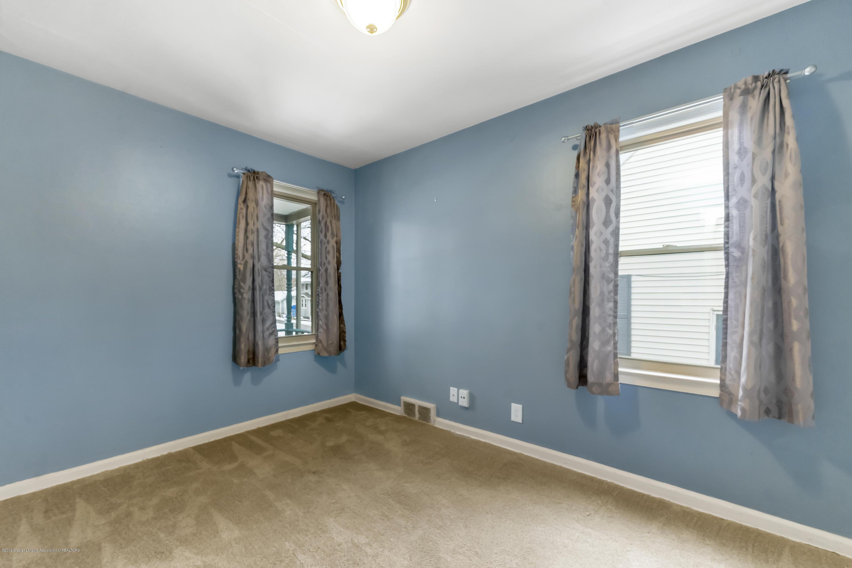 922 N Jenison Ave - 922-N-Jenison-Ave-WindowStill-Real-Estat - 11