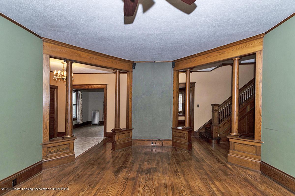 100 S Lansing St - Livingroom - 6