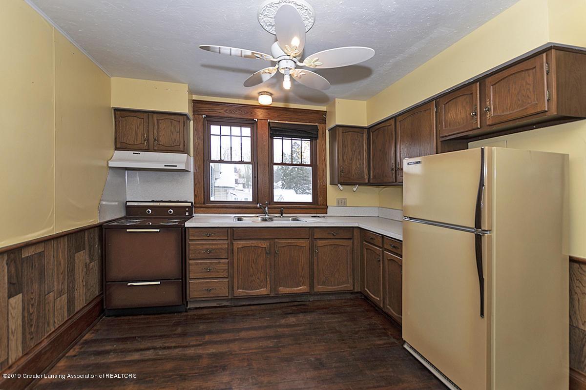 100 S Lansing St - Second floor kitchen - 19