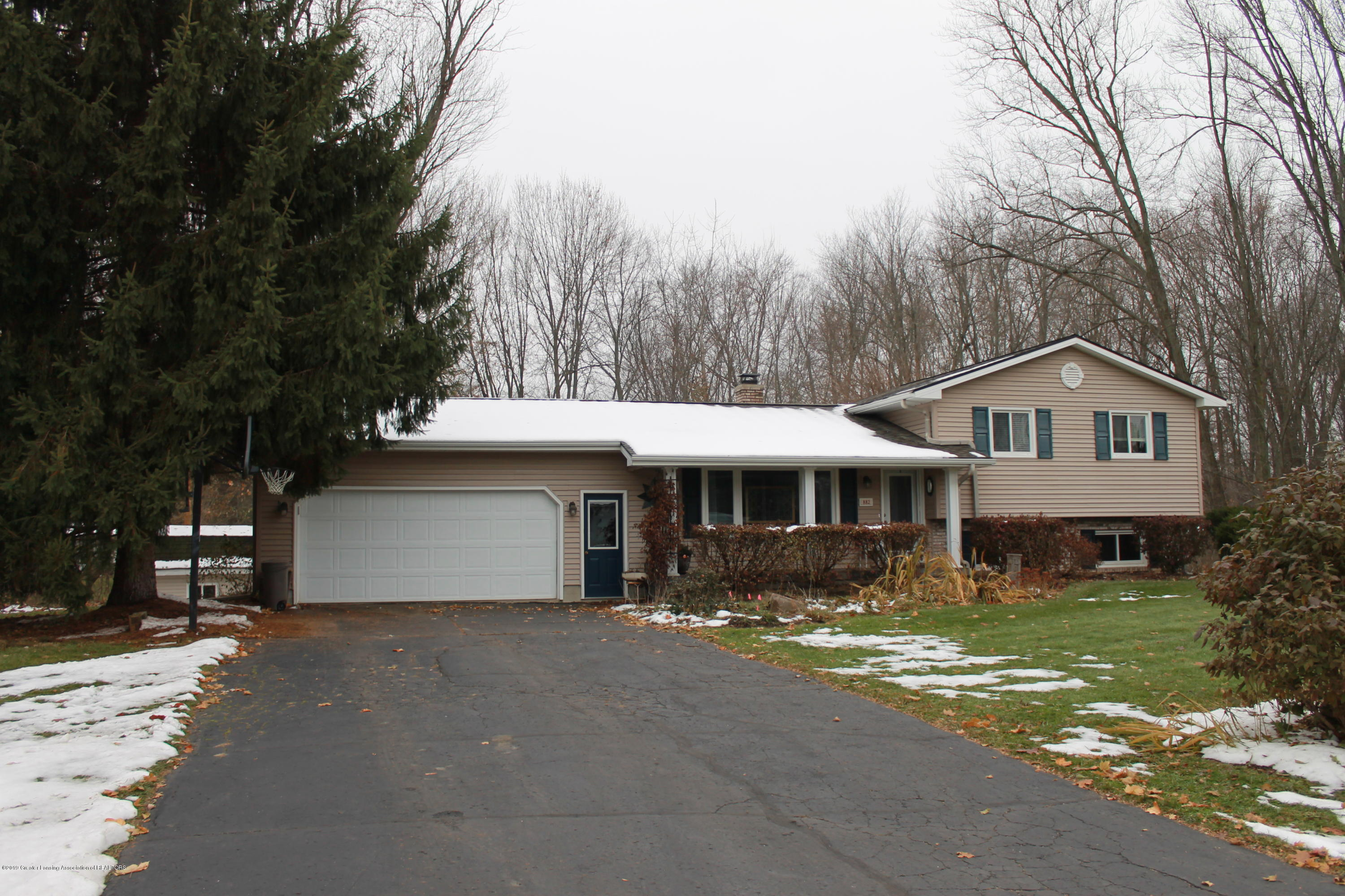 882 Shawano Dr - Updated Fall Photo 11-20-19 - 43