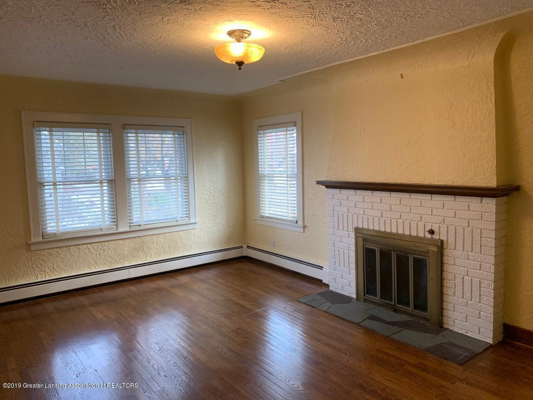 1526 Spencer St - livingroom 2 - 2
