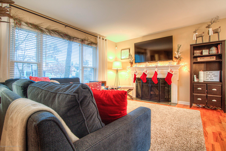 667 Snyder Rd - LIving Room - 4