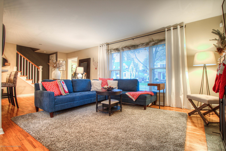 667 Snyder Rd - Living Room - 5