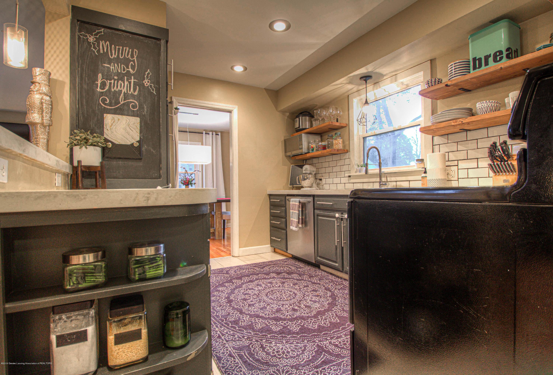 667 Snyder Rd - Kitchen - 8