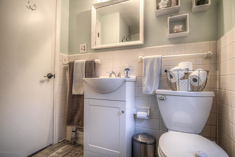 667 Snyder Rd - Full Bathroom - 12