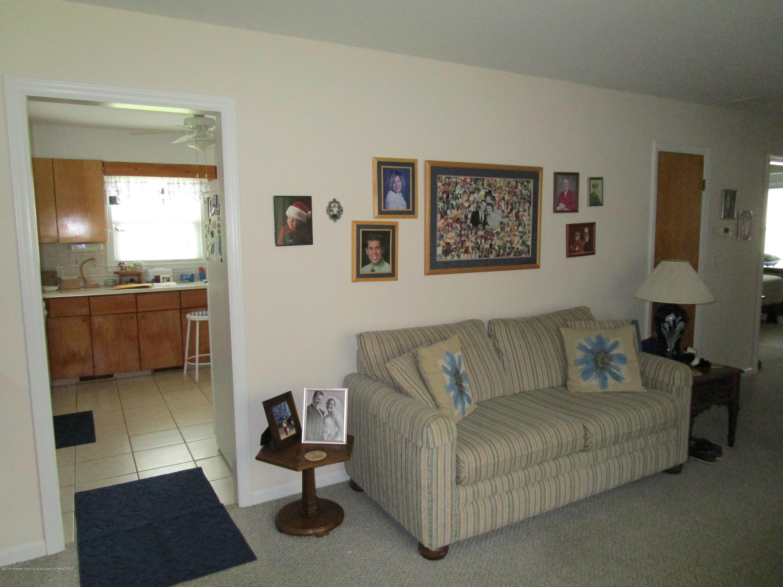 523 Hamilton Ave - 4 Living (2) - 4