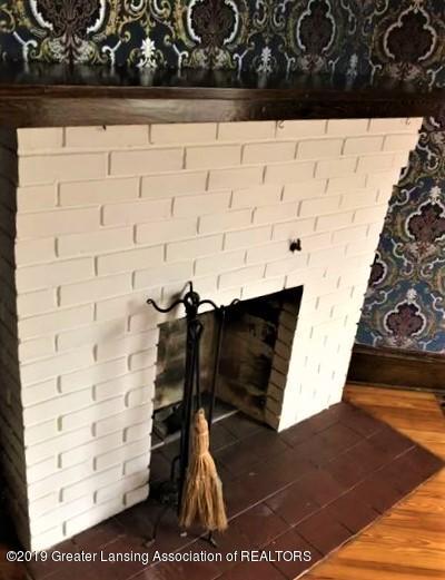 432 Pleasant St - 8 Palor Wood Fireplace - 8