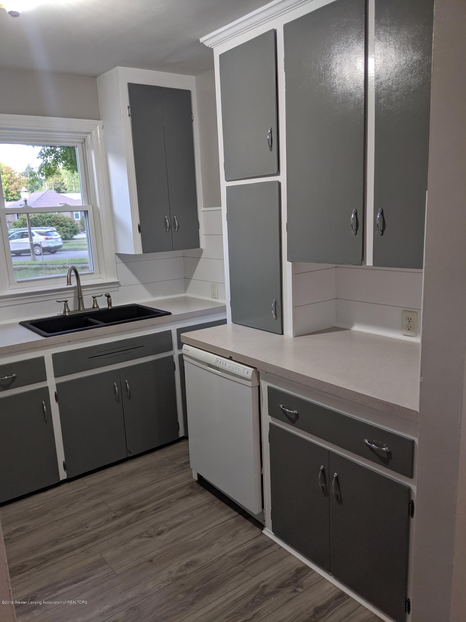 730 Hunter Blvd - Kitchen - 8