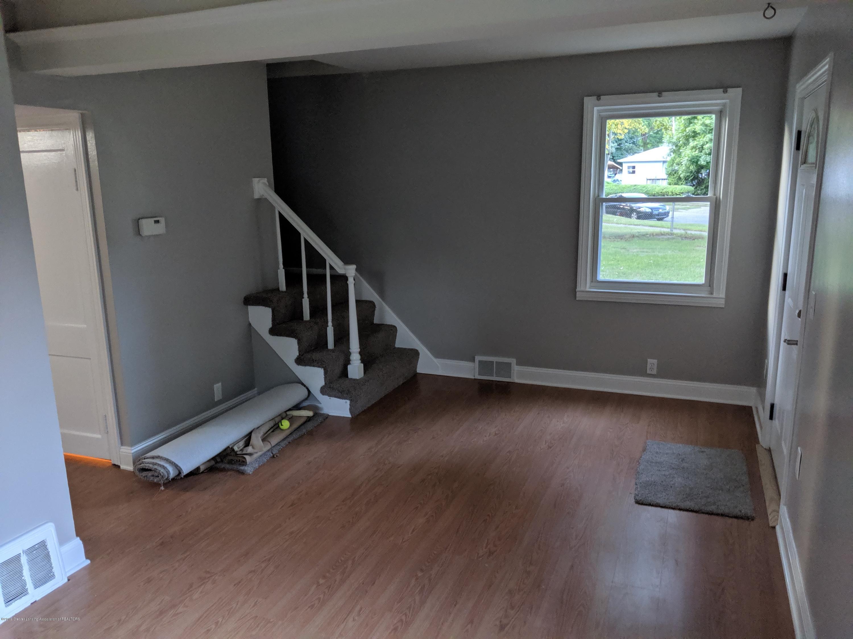 730 Hunter Blvd - Living Room - 5