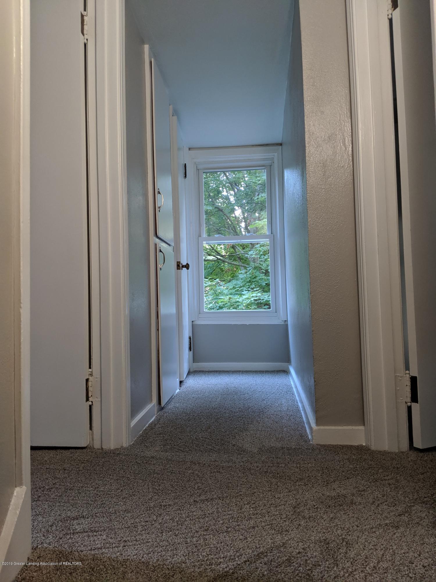 730 Hunter Blvd - Upstairs - 14