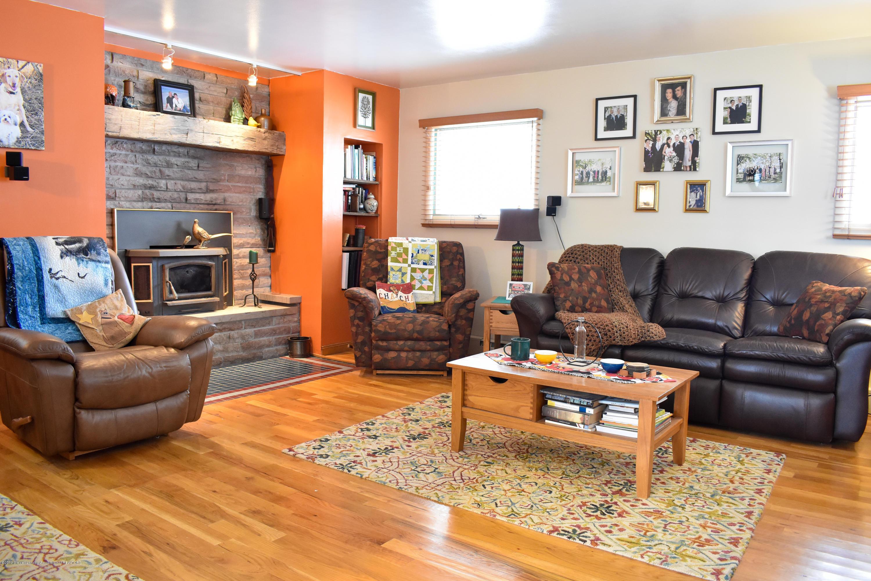 309 Knox Ave - Family room - 5