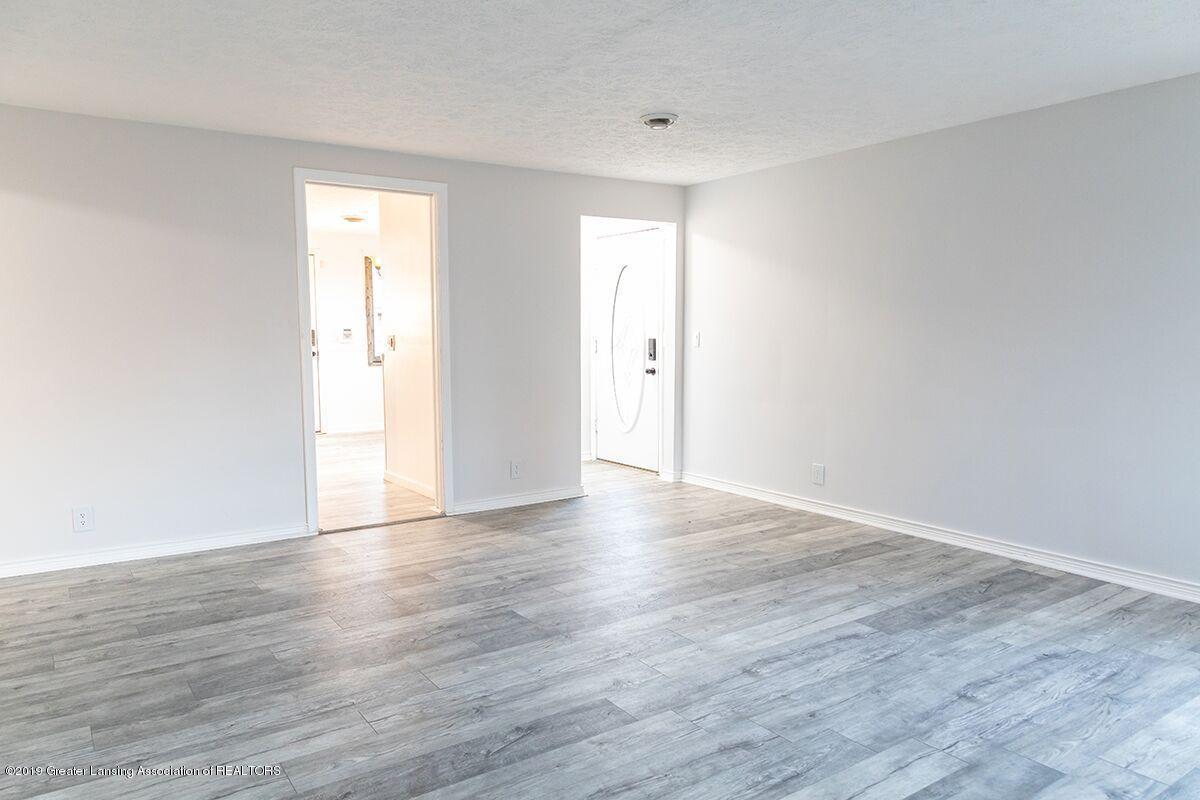 1820 Boston Blvd - family room 2 - 11