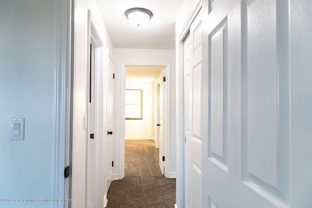 1820 Boston Blvd - Upstairs hallway - 14