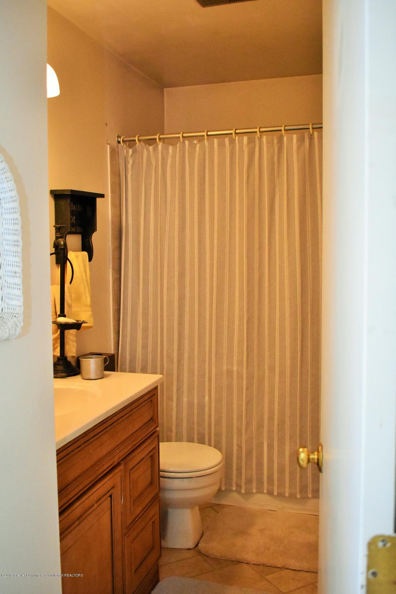 4394 Keller Rd - 32.JPG 4394 Keller Rd. bathroom - 14