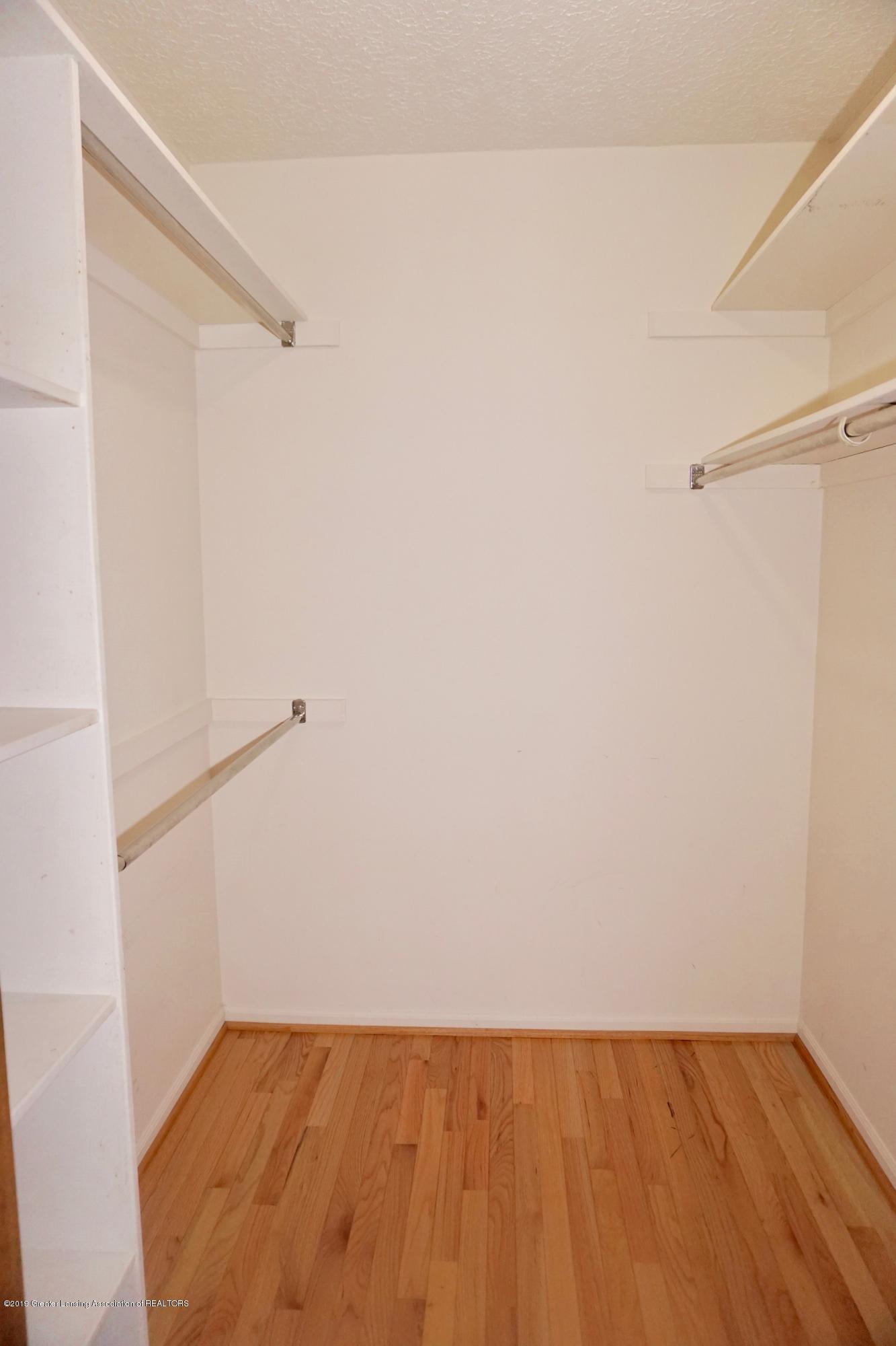 2597 Woodhill Dr - Master Closet - 10