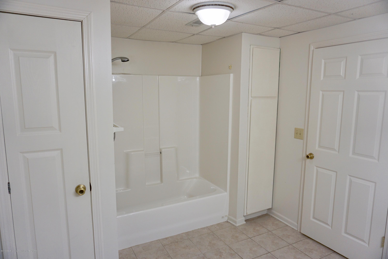 2597 Woodhill Dr - Basement full bath2 - 15