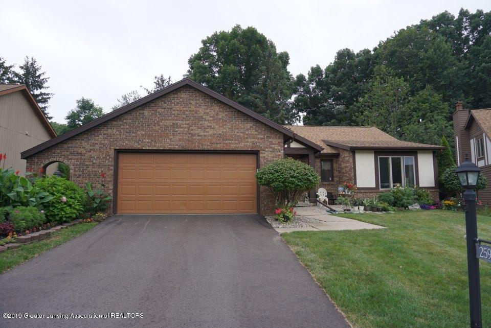 2597 Woodhill Dr - Front - 16