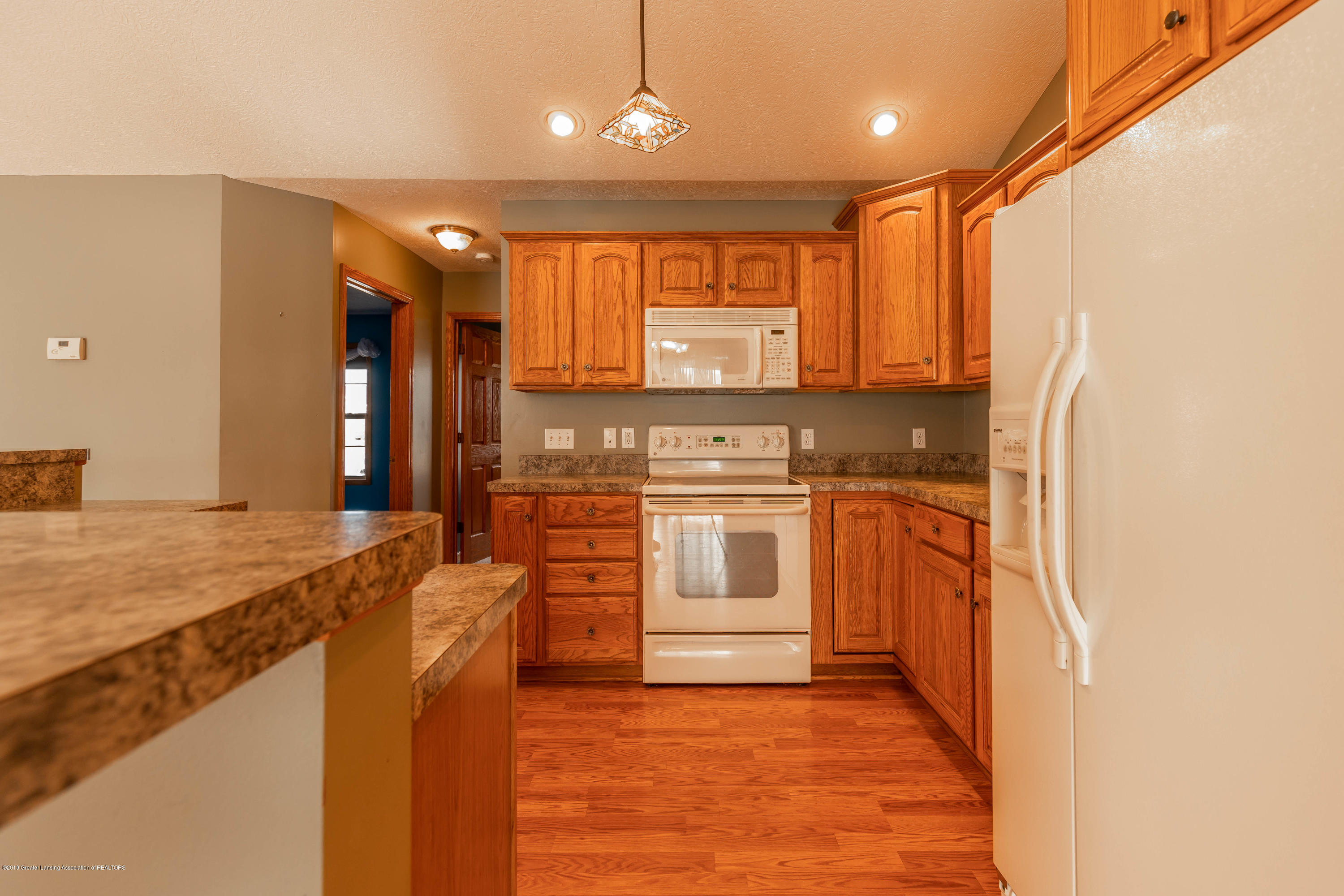 2021 Secretariat Ln - Kitchen - 7