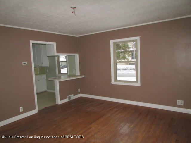 2101 Clifton Ave - IMG_1141 - 10