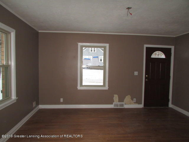2101 Clifton Ave - IMG_1143 - 12