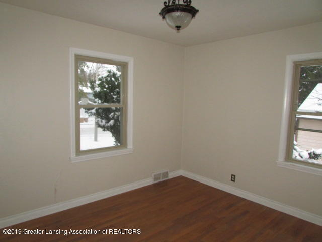 2101 Clifton Ave - IMG_1147 - 16