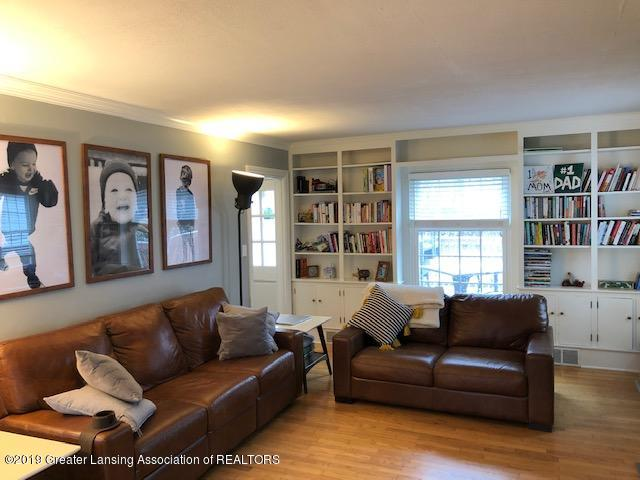 610 Glenhaven Ave - Living Room - 4