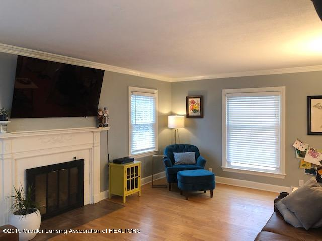 610 Glenhaven Ave - Living Room - 8